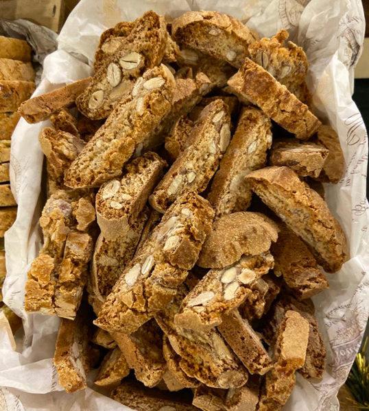 Biscuiterie-de-rogne-croquant-amende-le-potager-de-coudoux