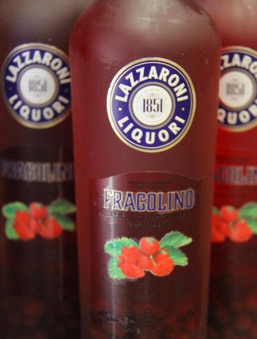 liqueur de baie rouge lazzaroni